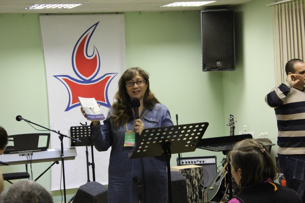 Проповедует Нина Жарова